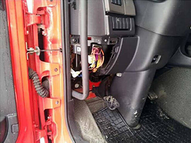 AdBlue Emulator installation on Renault trucks